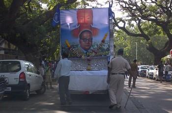 Ambedkar convoi.jpg