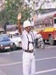 Inde,Kolkata,policier,circulation,uniforme,blanc,bretelles